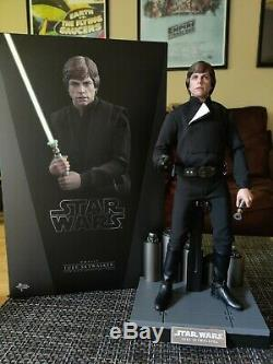 Hot Toys Luke Skywalker Return of The Jedi RotJ 1/6th Scale Collectible Figure