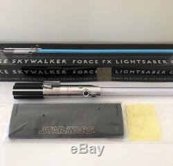 RARE Star Wars Luke Skywalker Force FX Lightsaber SW-220 With Stand Blue