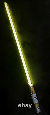 SEALED Star Wars Galaxy's Edge JEDI TEMPLE GUARD Legacy Lightsaber with36 Blade