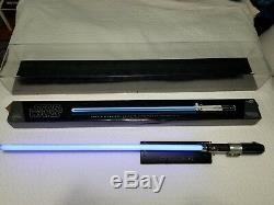 Star Wars Annakin Skywalker Force FX Lightsaber Signature Series