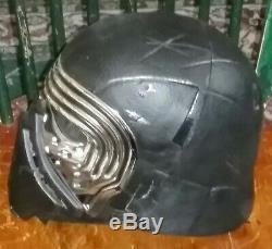 Star Wars Kylo Ren Electronic Voice Changing Helmet & Light Saber ORIGINAL BOX
