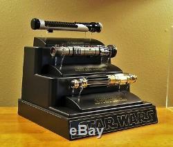 Star Wars Master Replicas Mace Windu Lightsaber Episode II AOTC. 45 Scale SW-302
