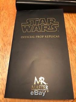 Les Répliques Maîtresses De Répliques D'attaques Au Réplique Du Sabre Laser Prop De Star Wars Yoda