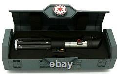 Nouveau Sabre Laser Sealed & In Hand Star Wars Galaxy's Edge Darth Vader Legacy