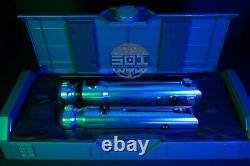 Nouveau Star Wars Galaxy's Edge Clone Wars Ahsoka Tano Legacy Lightsaber Bundle