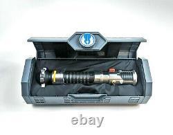 Nouveau Star Wars Galaxy's Edge Obi Wan Kenobi Legacy Lightsaber With26 Blade & Stand