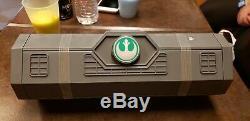 Sabre Léger Legacy Edge De La Galaxie De Disneyland Star Wars Luke Skywalker, Scellé