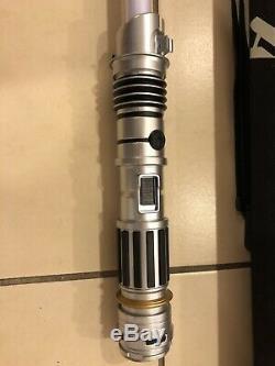 Sabre Léger Personnalisé De La Galaxie Edge De Disneyland Star Wars De Savi's Plus 3 Kybers