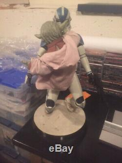 Sideshow Star Wars Yoda Et Le 501e Clone Trooper Premium Format Illuminent Leur Sabre