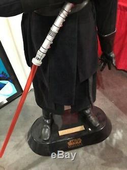 Star Wars Lifesize Darth Maul Statue Avec Full Light Saber