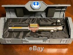 Star Wars Skywalker Reforged Rey & 1 Gratuit Spira Galaxys Bord Lightsaber Hilt