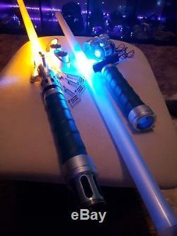 Un Sabre-laser En Duel Unique En Son Genre